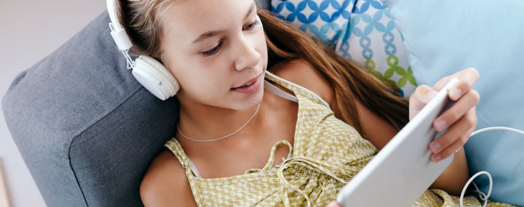 Study Links Restricting Screen Time For >> Limiting Children S Recreational Screen Time To Less Than Two Hours